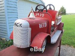 1930s VINTAGE AMUSEMENT PARK CARNIVAL RIDE CHILDS MACK FIRE ENGINE LADDER TRUCK