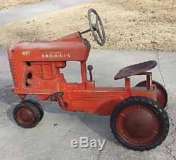 1950'S VINTAGE ESKA McCORMICK FARMALL 400 PEDAL TRACTOR