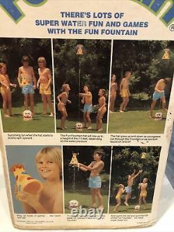 1978 Wham-o Fun Fountain Clown Floating Hat Sprinkler Yard Fun Game Vintage