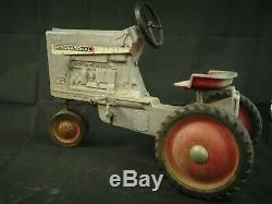 (COLLECTORS) Vintage International hydro Farmall 1026 Pedal Car