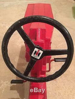 ERTL Model 404 Vintage Pedal Tractor