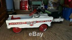 FULL SIZE VINTAGE Pedal Race Car Speedway Pace car super cool See photo QuikList