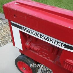 INTERNATIONAL HARVESTER MODEL NO. 404 VINTAGE 1970's ERTL PEDAL TRACTOR