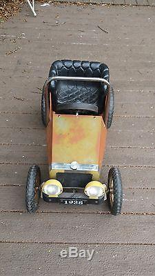 Kids Children's vintage Classic Ride On Metal Pedal Car Toy