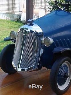 OLD PEDAL CAR VINTAGE