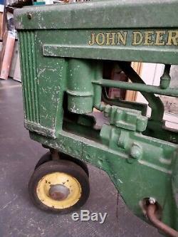 VINTAGE 1950s ESKA JOHN DEERE 60 PEDAL TRACTOR LARGE MODEL (NICE BARN FIND!)