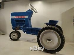 VINTAGE 1960s ERTL FORD 8000 RIDE ON PEDAL FARM TOY TRACTOR LITTLE FARMER