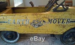 VINTAGE EARTH MOVER SAND AND GRAVEL DUMP PEDAL CAR RARE