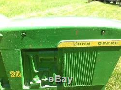 VINTAGE JOHN DEER PEDAL TRACTOR ERTL MODEL D-65, Circa late 60s, Original