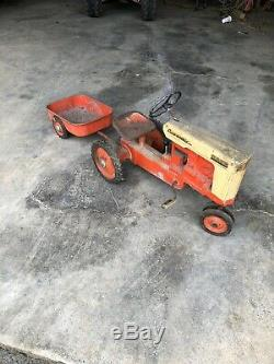 VINTAGE ORGINAL CASE-O-MATIC DRIVE PEDAL TRACTOR BY ESKA RARE With WAGON