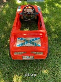VTG 1982 The Dukes Of Hazzard General Lee Pedal Car with Free Dukes Trash Can