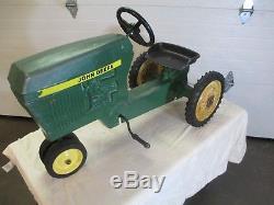 Vintage 1960's John Deere pedal tractor & trailer Ertl