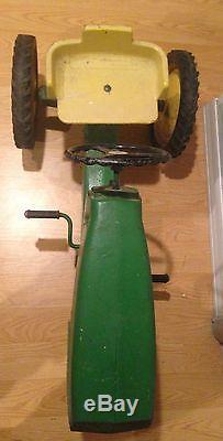 Vintage 1970s John Deere Pedal Tractor 520