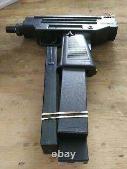 Vintage 1987 Larami Motorized UZI Water Squirt Machine Gun R924 Two Extra Clip