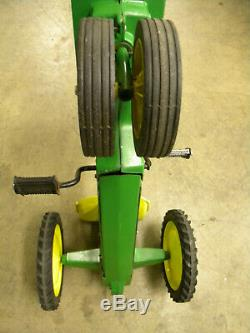 Vintage 70's JOHN DEERE Child Pedal Tractor ERTL Model 520 (Chain Drive/Metal)