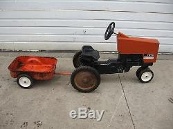 Vintage Allis Chalmers 7045 pedal tractor with wagon