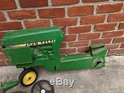Vintage ERTL John Deere Narrow Front Pedal Tractor Model 520