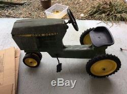 Vintage ERTL John Deere Pedal Tractor Model 520 Toy