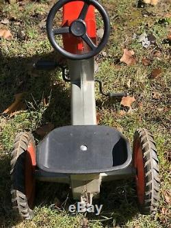 Vintage ERTL ride-on pedal tractor, trailer hitch. All original paint & parts