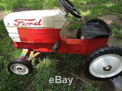 Vintage Ertl Ford Pedal Tractor