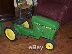 Vintage Ertl John Deere Pedal Tractor Model 520