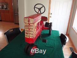 Vintage Eska Farmall 560 Pedal Tractor International Harvester