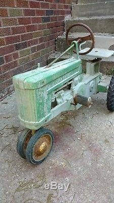 Vintage JOHN DEERE ERTL pedal tractor RARE 1950s