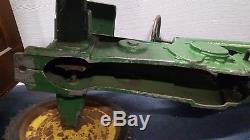 Vintage JOHN DEERE ERTL pedal tractor RARE 1952. Small