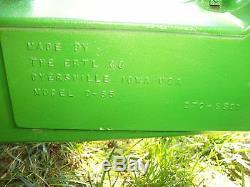 Vintage John Deer Pedal Tractor Ertl Model D-65