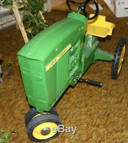Vintage John Deere Pedal Toy 20 Tractor Model 0-65