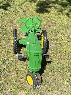 Vintage John Deere Snall Short 60 Pedal Tractor