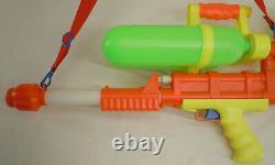 Vintage Larami Super Soaker 200 Water Gun #9933 1990