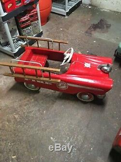 Vintage Murray Ohio Mfg. Co, Lawrenceville, TN, Fire Chief Pedal Car