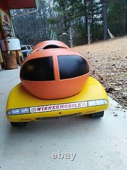 Vintage Wiener Pedal Car, few Scratches, All Plastic, good Condition