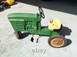 Vintage cast metal ERTL John Deere 20 Pedal Tractor D-65 Toy Tractor 1965