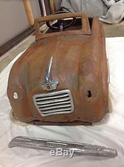 Vintage pedal car Italian