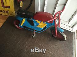 Vintage pedel motorbike mobo pedel cycle