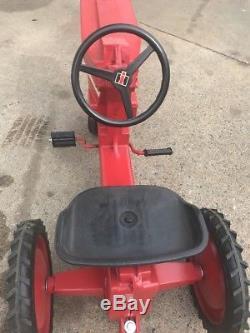 Vtg ERTL Case International Model 404 Tractor Ride On Pedal Car. Restored
