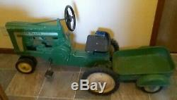 Vtg. Eska John Deere Large Model 620 Pedal Tractor 1950's with Flare Fender wagon